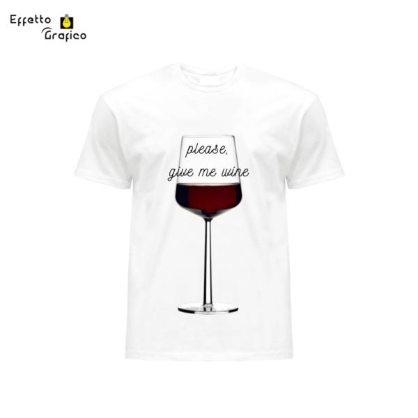 """T-Shirt personalizzata con stampa """"Please, give me wine""""."""